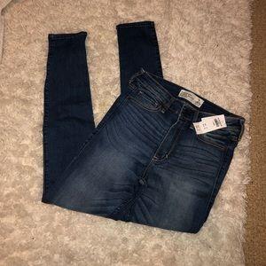 NWT Abercrombie Dark Wash Jeans